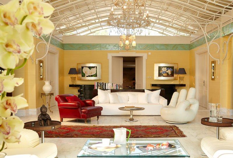 Metamorfosi Villa Sleeps 8 with Pool and Air Con - 5817301, aluguéis de temporada em Metamorfosi
