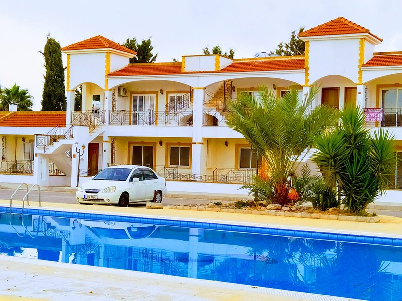 SALAMINA HOUSES, holiday rental in Bogaz