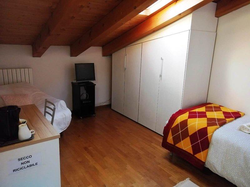 Stanza singola tra Padova e Venezia-Vigonovo, holiday rental in Legnaro