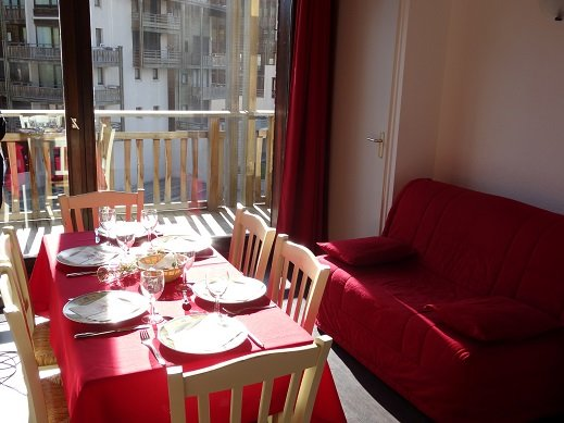 Nice apt - 100 m from the slopes, holiday rental in Bramans