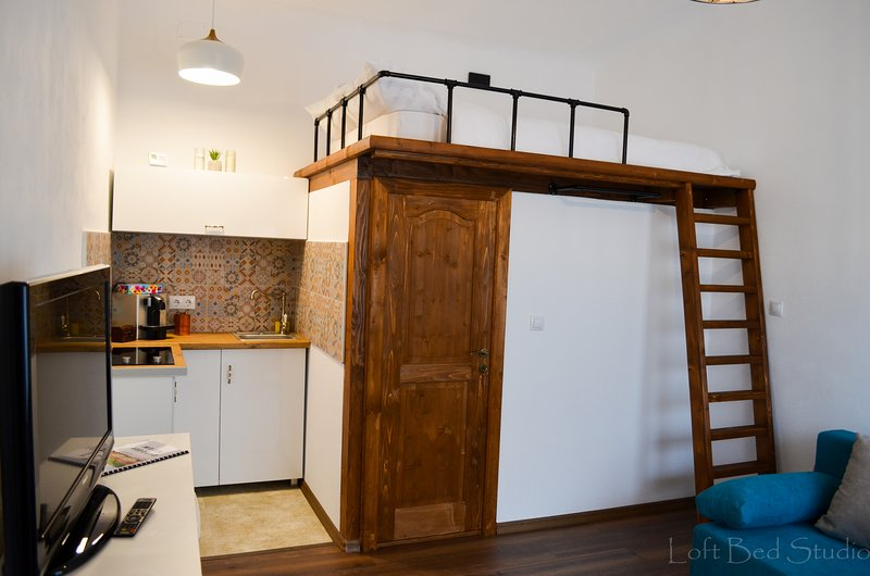 Loft Bed Studio . Discover the beauty of Brasov, holiday rental in Brasov