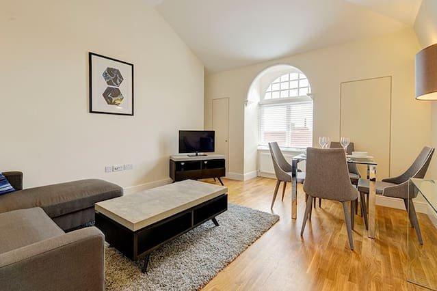 Cosy Two Bedroom Apartment  - Flat 59a, alquiler de vacaciones en Chiswick