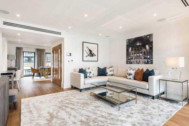 Luxury Townhouse with Panoramic River Views, Ferienwohnung in Chiswick
