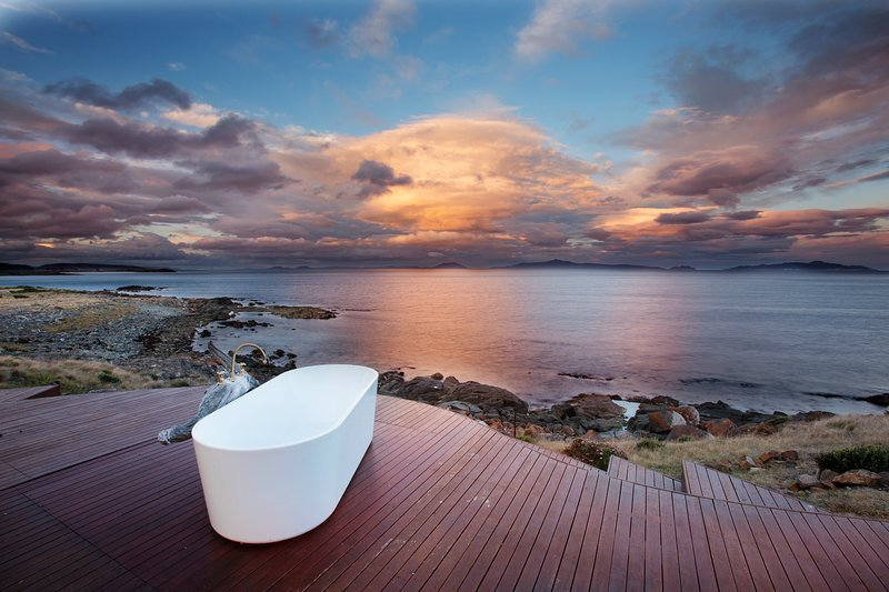 Experience a holiday like no other in privacy and seclusion on Tasmania's east coast.