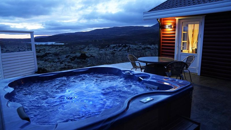 House in lava, holiday rental in Hraunfossar