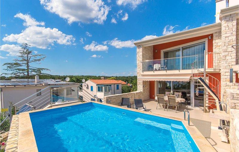 Amazing home in Sv.Ivan with WiFi and 3 Bedrooms (CIU507), location de vacances à Duba