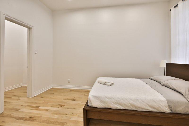 SU2 bedroom 1 double bed + single
