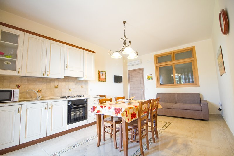 Amazing apartment with sea view, holiday rental in Trecastagni