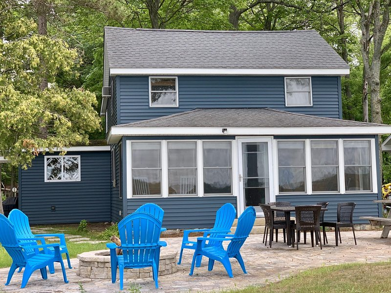 Northern Michigan Lake House on East Twin Lake, vacation rental in Mio