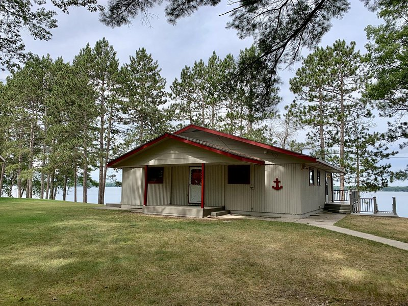 Lakefront home in Lewiston, vacation rental in Mio