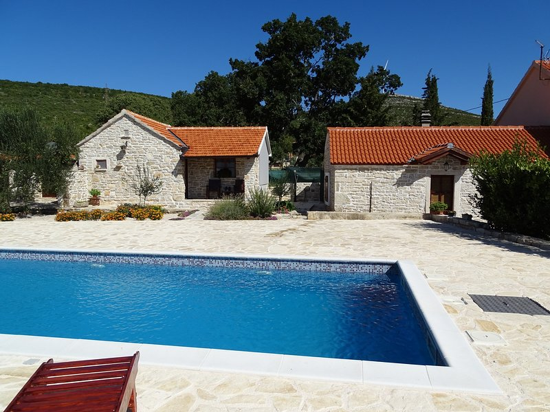 Dalmatian country house Irena, vacation rental in Benkovac