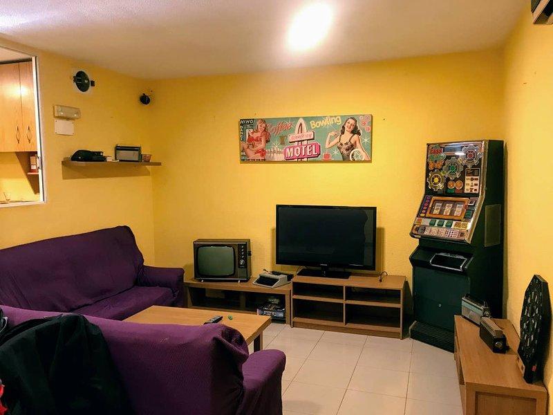 Amazing apt near the beach & Wifi, holiday rental in Cartagena