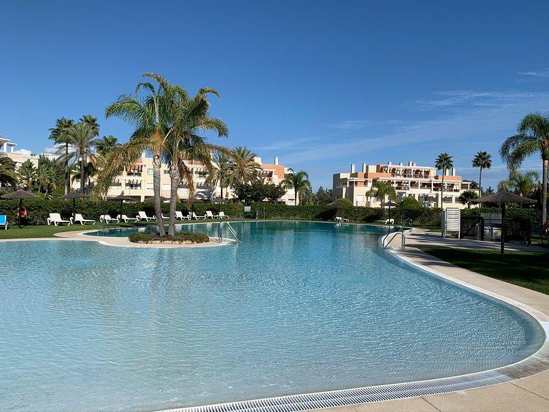 Las Dunas Green, holiday rental in Estepona