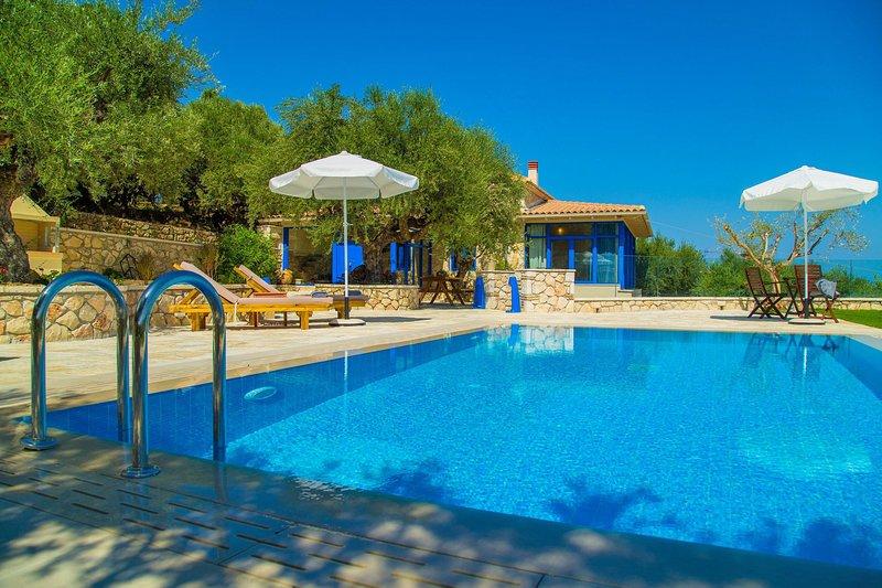 3 Bedroom Villa Vakis, Agios Sostis, Zakynthos, location de vacances à Porto Koukla