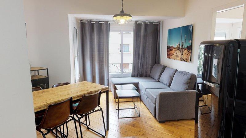 Olala WOW apartment 2.2, aluguéis de temporada em Palleja
