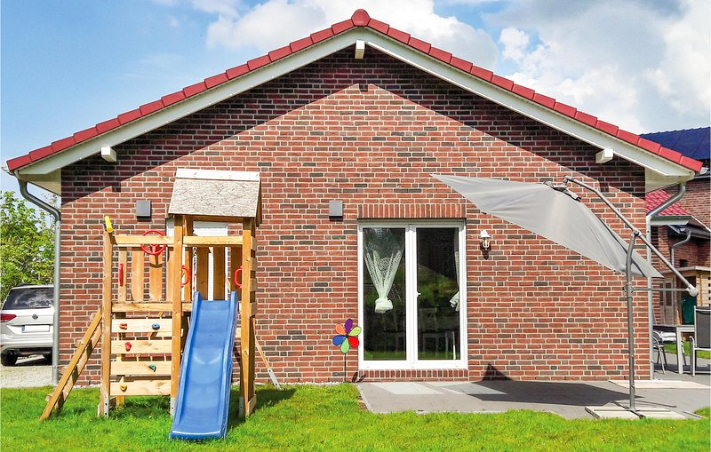 Beautiful home in Boiensdorf with Sauna, WiFi and 3 Bedrooms (DMK597), holiday rental in Nantrow