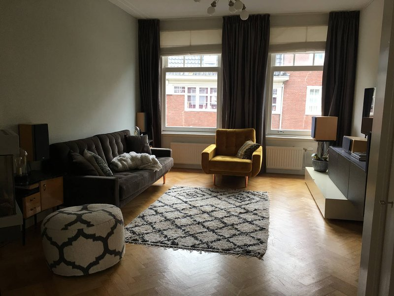 Stylish and luxurious 135m2 apartment with roof terrace near RAI, holiday rental in Amstelveen