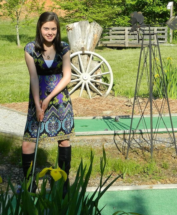 free mini golf for cabin guests