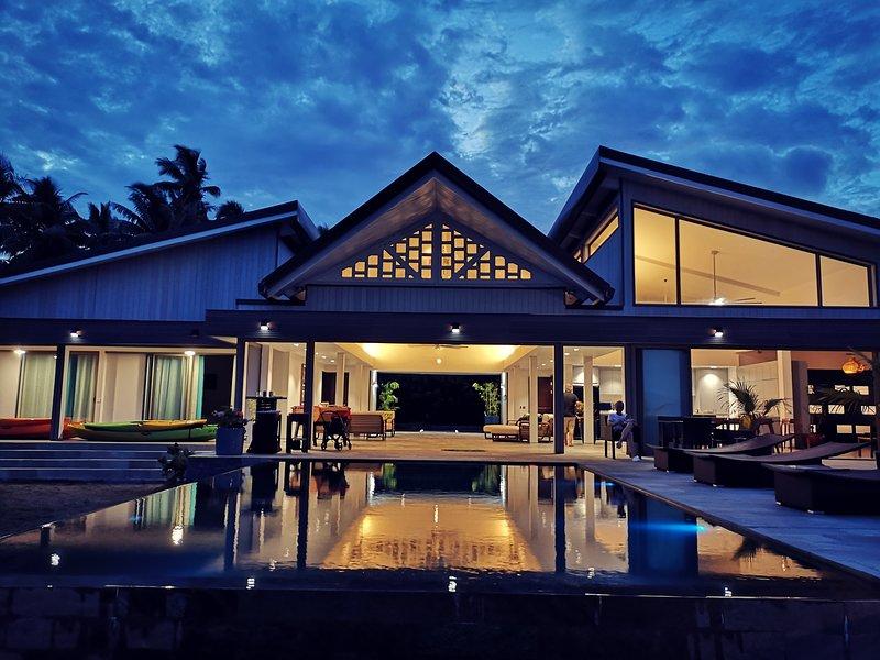 Luxury Villa Jessivia Beach by Lagoon Dream, vacation rental in Temae