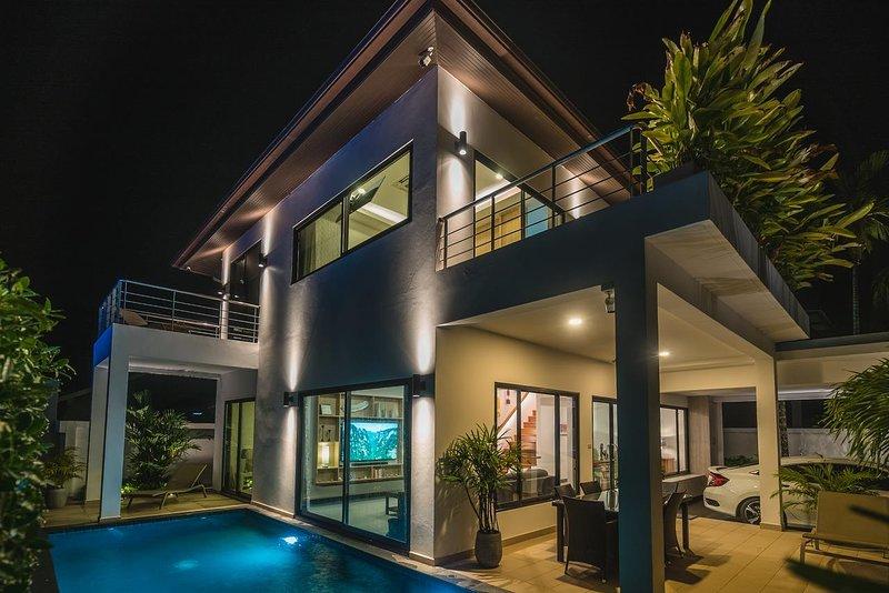 The White Pool Villa in Kamala Beach, Phuket, holiday rental in Kamala