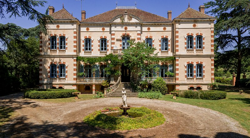 Gaillac Chateau Sleeps 20 with Pool and Air Con - 5049473, location de vacances à Rabastens