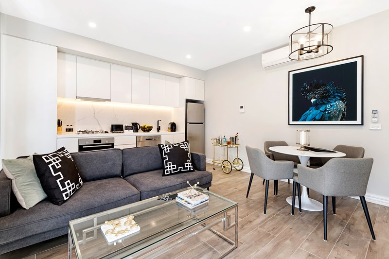 NEW! Two Bedroom Deluxe at Manhattan Apts Glen Iris, casa vacanza a Whitehorse