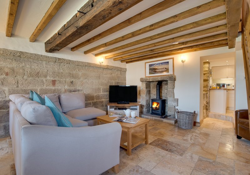Holly Tree Cottage, holiday rental in Briggswath