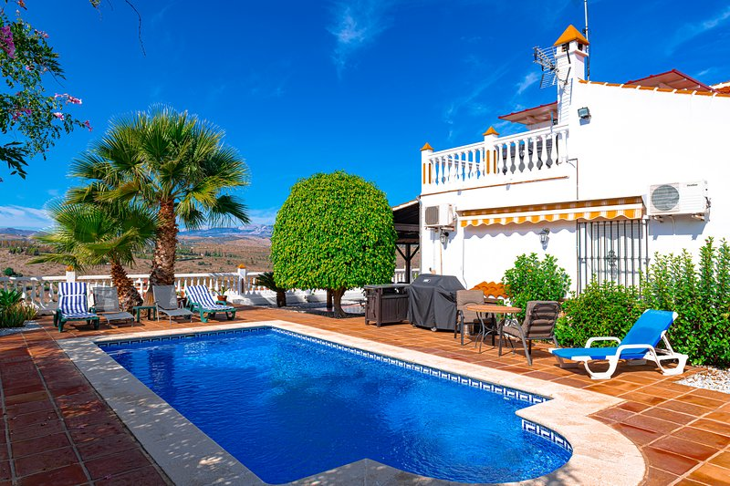 Villa Casa De Luz, holiday rental in Canillas de Aceituno