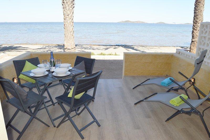 Stunning Front Line Apartment - Los Urrutias, casa vacanza a El Carmoli