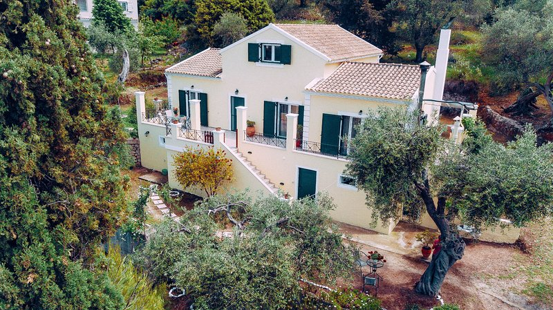 Villa Costa: Family villa, A/C, WiFi, sleeps 7, holiday rental in Nymfes