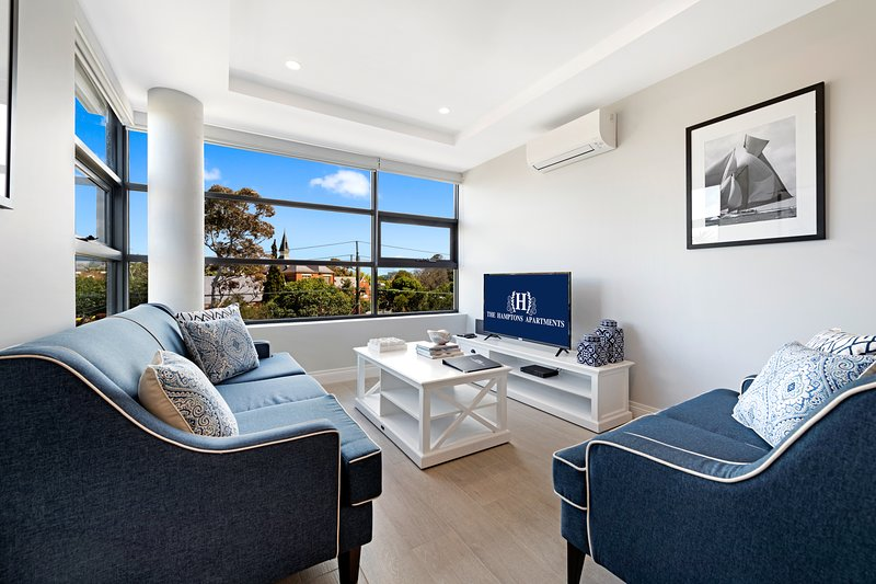 NEW! Beautiful 2 Bed Standard Apartment in St Kilda – semesterbostad i Caulfield