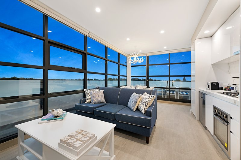 NEW! Luxury 2 Bed Premier Apartment in St Kilda – semesterbostad i Caulfield
