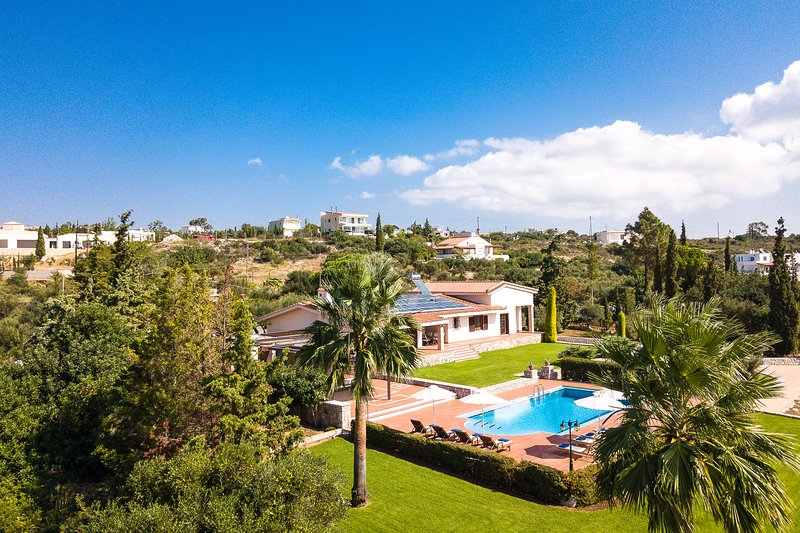 Hanging Over the Sea - Enormous garden with Full Privacy & Spectacular Views!, holiday rental in Akrotiri