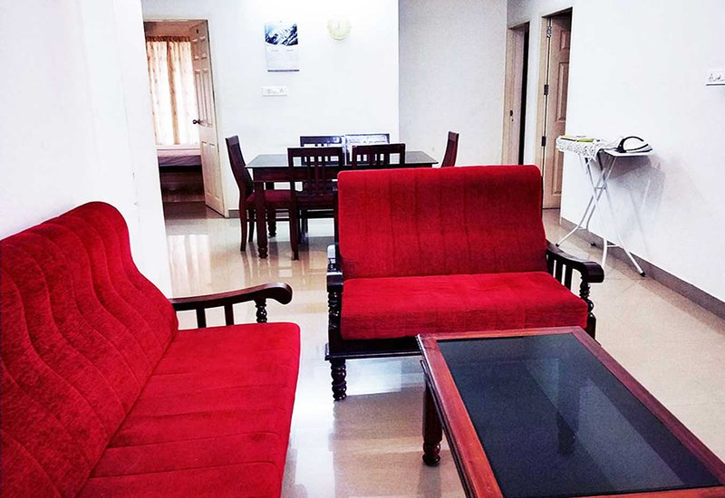 Honey bee 2-Bedroom Serviced Apartment Trivandrum, vacation rental in Kazhakkoottam