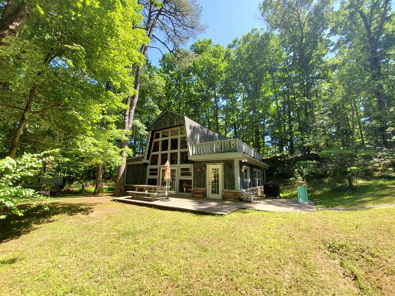 Mountain Hideaway-Rustic and Secluded, holiday rental in Bentonville