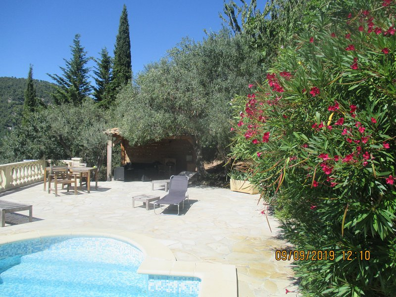 Spacious villa with swimming-pool, holiday rental in Claviers