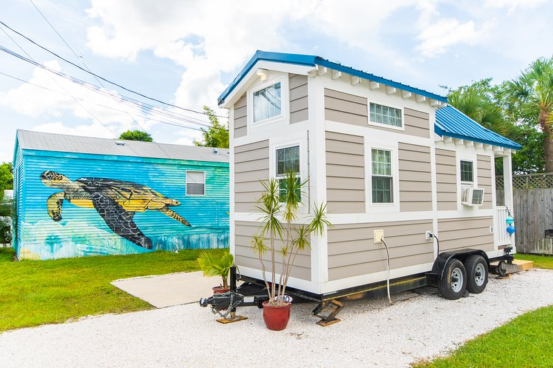 Tiny House - Seashell, vacation rental in Gulf Gate Branch
