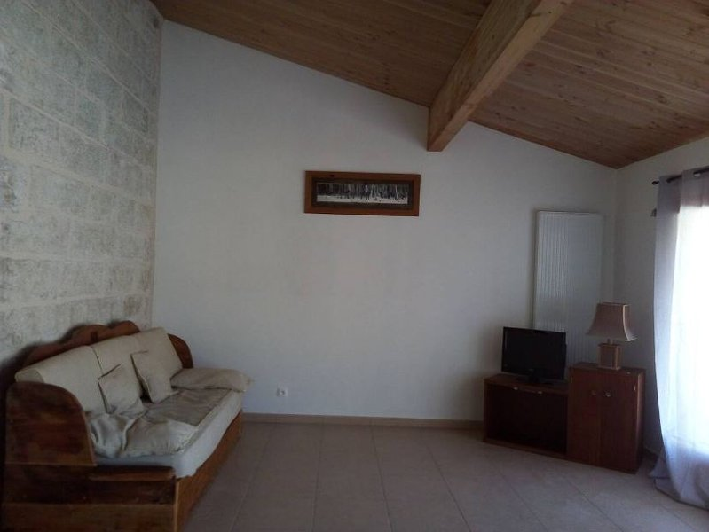 Beautiful house with terrace, holiday rental in Le Poizat
