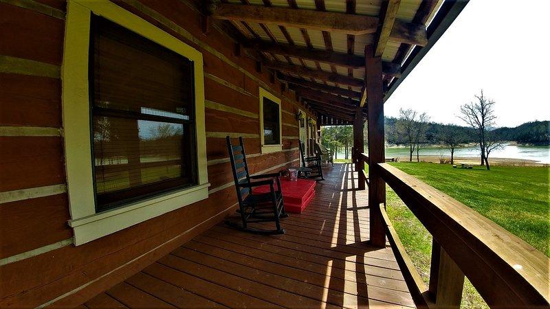 Hardwood,Porch,Flooring,Floor,Railing