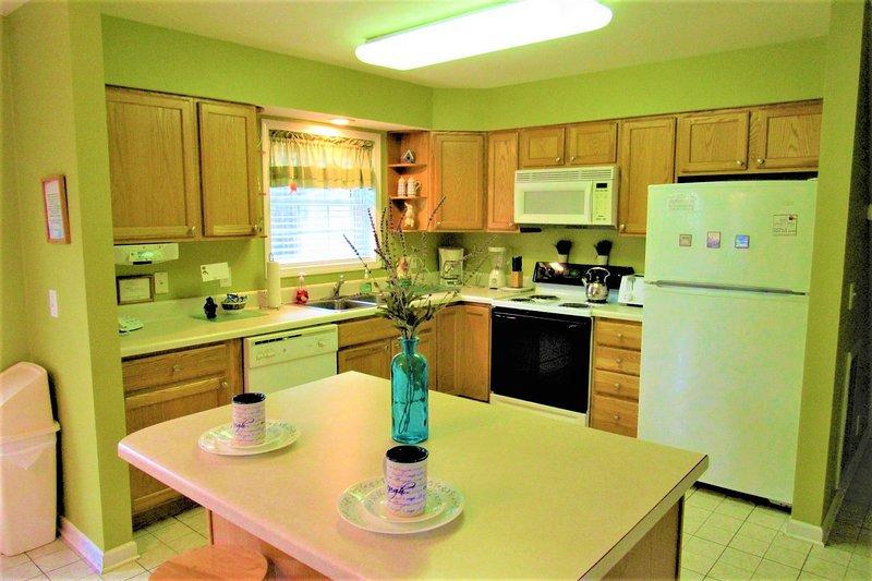 Indoors,Room,Refrigerator,Kitchen,Oven