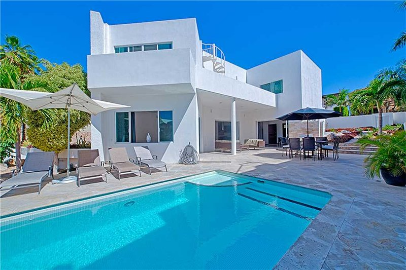 Walk to the Beach from this Comfortable Modern Villa - Casa Angelina, holiday rental in Cabo San Lucas