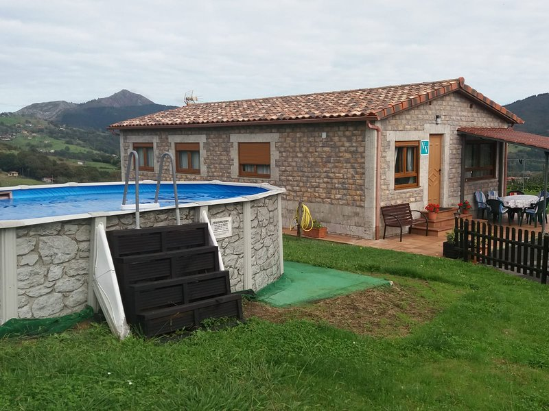 EL HOGARIN DE ARRIONDAS, holiday rental in Romillo