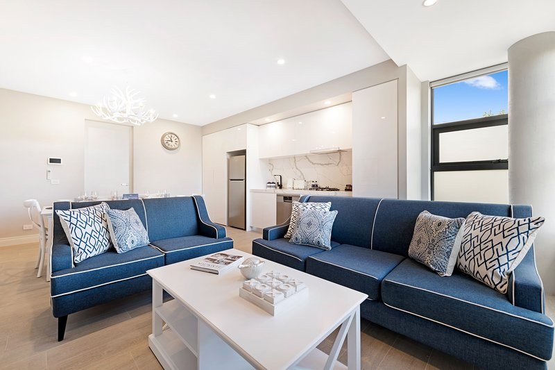 NEW! Amazing 2 Bed Deluxe Apartment in St Kilda – semesterbostad i St Kilda East