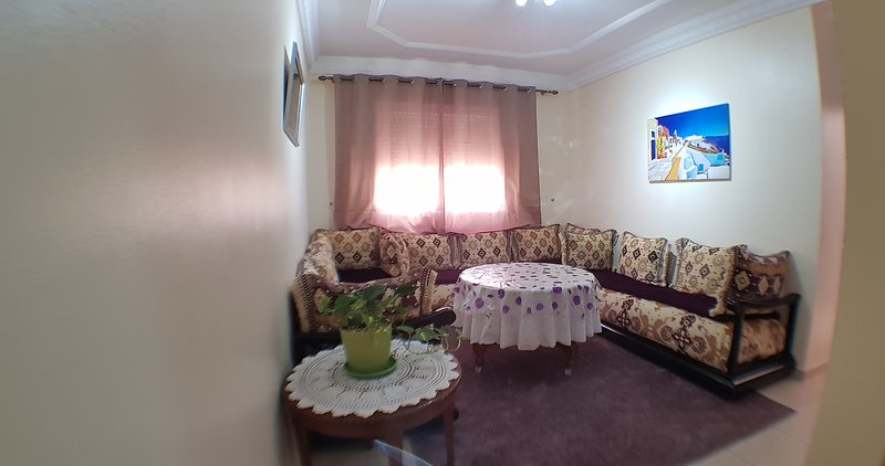 ZIAD Appart - F3 FREE WIFI, holiday rental in Tanger-Tetouan-Al Hoceïma