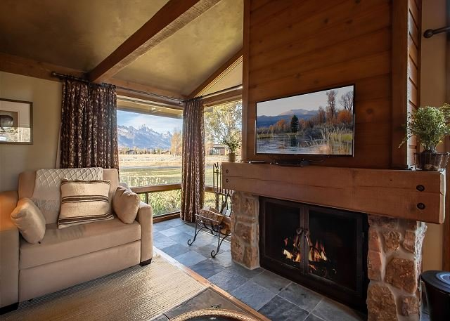 Beautiful Golf Creek condo with Teton views!, vacation rental in Jackson
