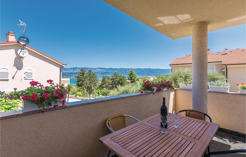 Stunning apartment in Klimno with WiFi and 2 Bedrooms (CKI194), holiday rental in Soline