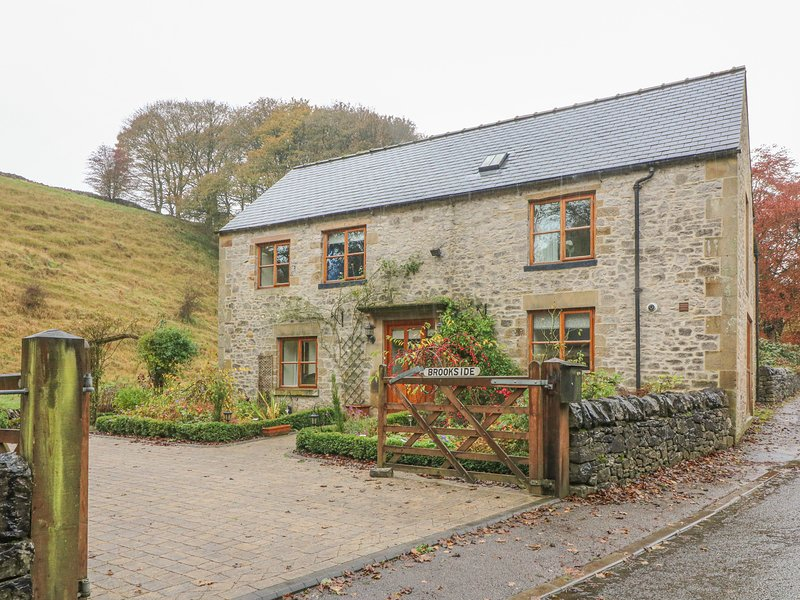 Brookside Cottage, Tideswell, vacation rental in Litton