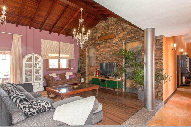 Tetir Villa Sleeps 8 with Pool - 5817619, holiday rental in Tefia