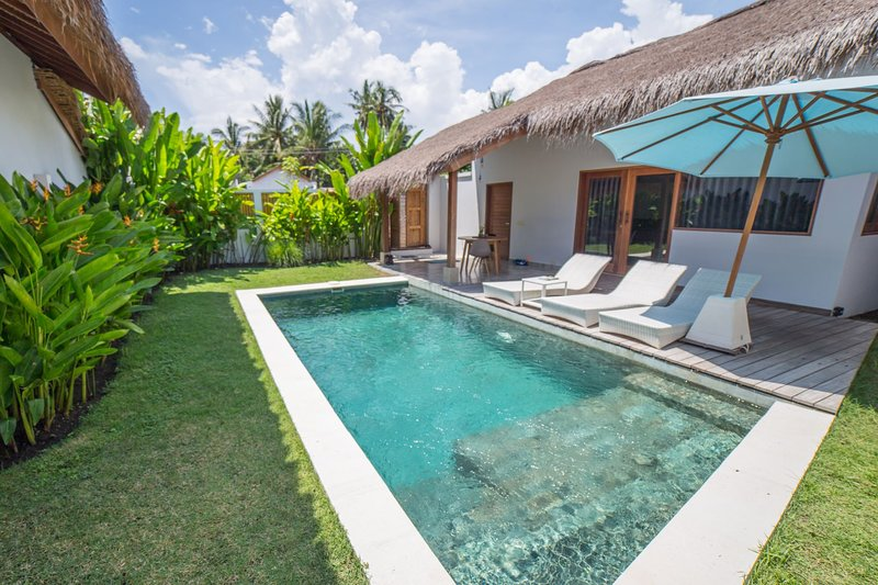 Elegant one-bedroom villa with private pool, holiday rental in Gili Air