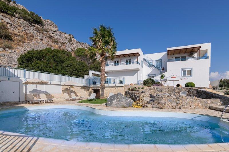 3 bedroom villa,Splendid sea view,Private pool,South Crete, location de vacances à Rodakino